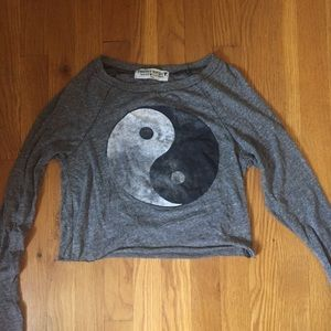 "Grey Distressed ""Yin-Yang"" Long-Sleeve Crop Top"